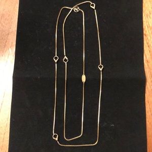 Louis Vuitton Essential V long necklace